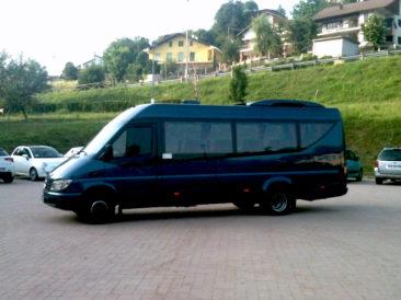 Mercedes-Sprinter-16-posti-A